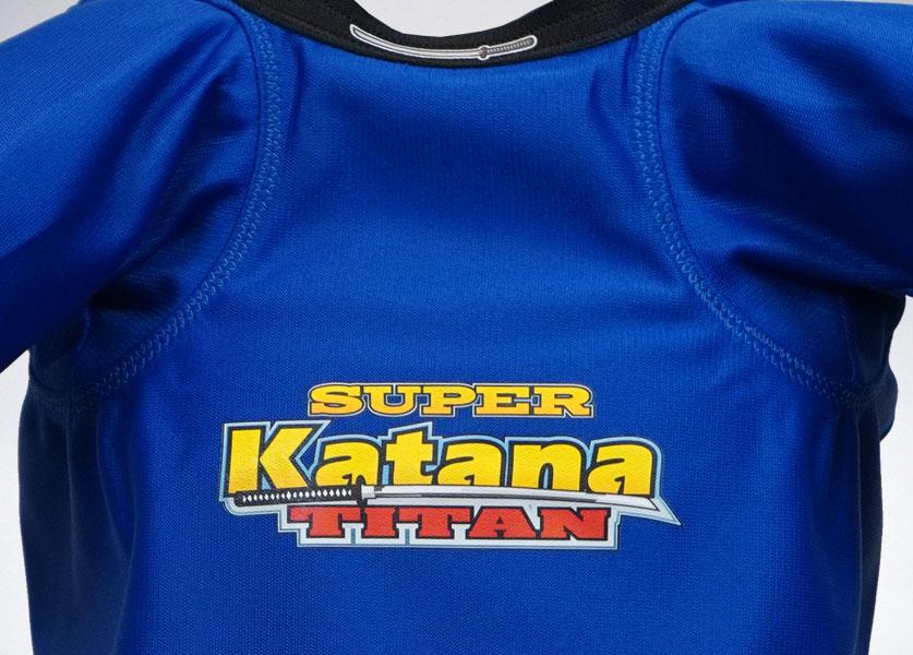 close up of titan super katana bench shirt